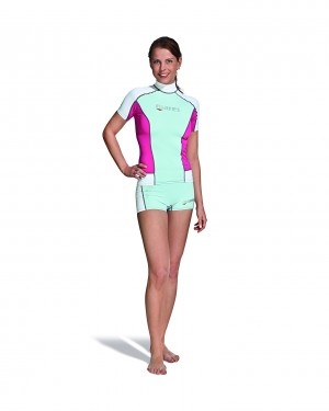 Trilastic S-Sleeve she dives